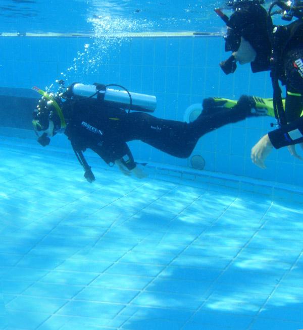 dive-master